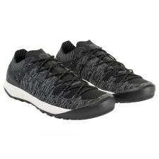 Hueco Knit Low Women